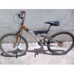 Bicicleta mountanbike de niño con suspensiones
